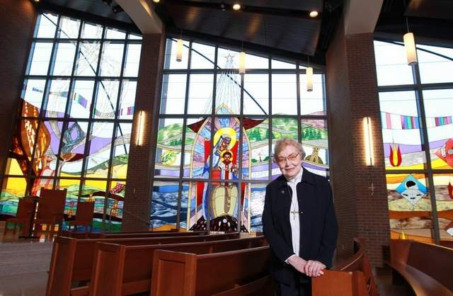 Nun's stained-glass windows enhance Thomas More's new chapel