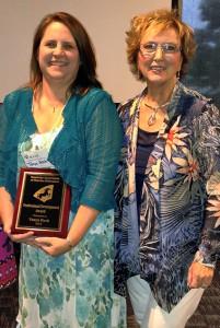 Tonya Hash '16 with Dr. Joyce Hamberg at the KATE Awards.