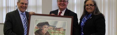 Chief Justice John D. Minton Jr. receives gift